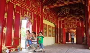 palace-photo